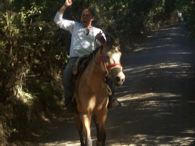 Quelle assurance...! Hey, Cowboy !